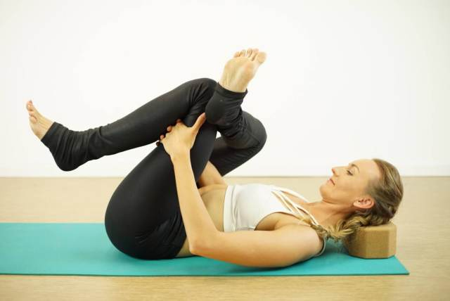 5 Easy Yoga Poses to Help Your Tight Hips